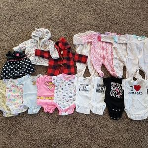 Lot: 16 pieces size 0-3 months baby girl clothing